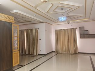 i 8/4 Upper Portion Available For Rent